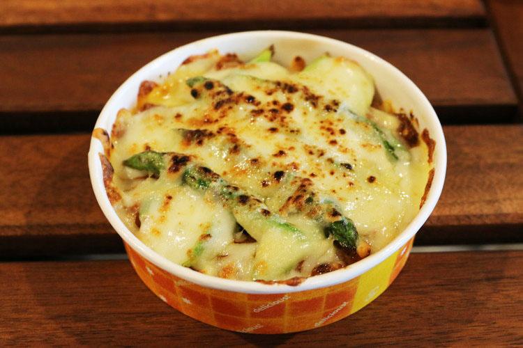 グリーンアスパラガスのチーズグラタン