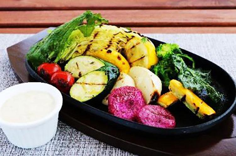 季節の有機 野菜のグリル Grilled seasonal organic vegetables